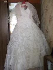 Продам свадебный наряд бу