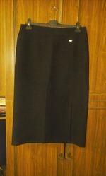 юбки и брюки в хорошем состоянии любая по 100 руб.